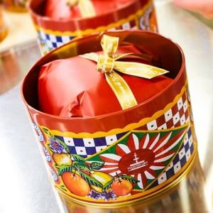 Dolce & Gabbana - Panettone με Εσπεριδοειδή & Σαφράν σε Κόκκινο Κουτί, 500g